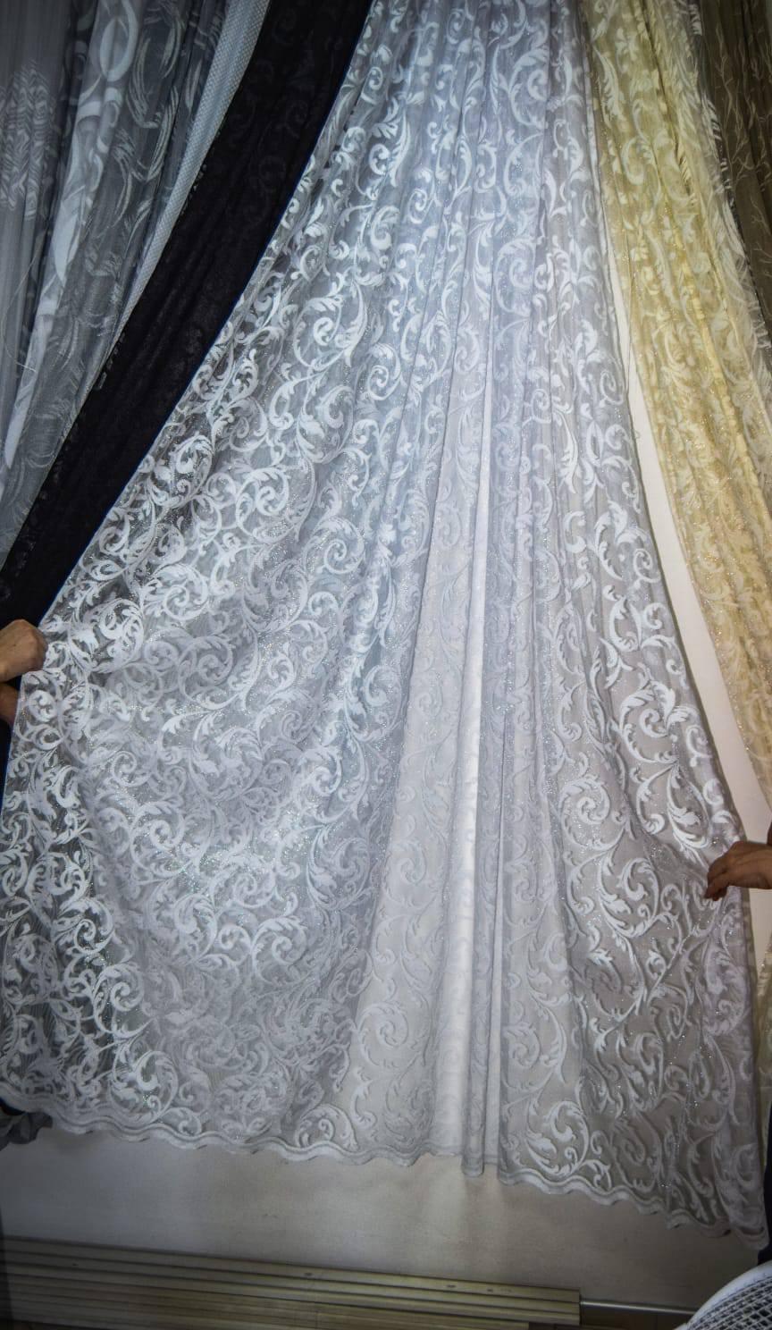Zavesa grcka cipka bela ruza